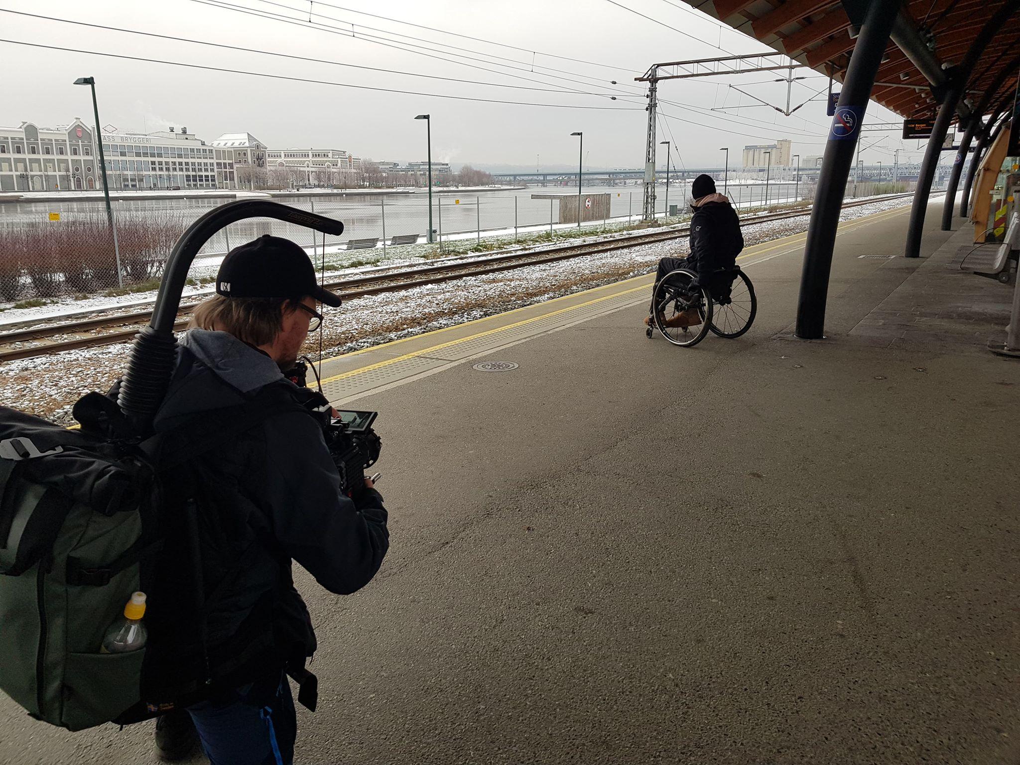 Hovedsikkerhetsvakt-Drammen-Stasjon-Reklamefilm-Filminspilling-Sikkerhet-Jernbanestasjon-Norsk-Jernbanesikkerhet-AS